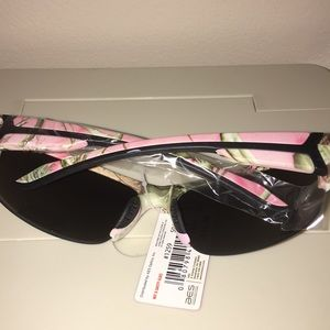 a4f048c99f AES by Solaray Accessories - Realtree APC Pink Camouflage Sunglasses